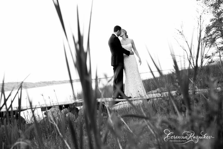 0020_littlecomptonwedding_corinnaraznikovphotography